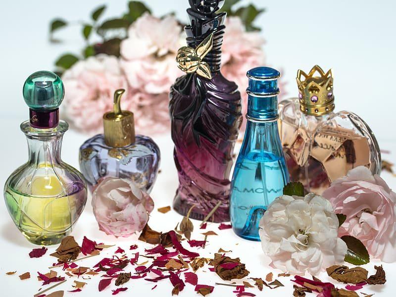 Parfüüm, tualettvesi, kölnivesi – mis on nende erinevused?